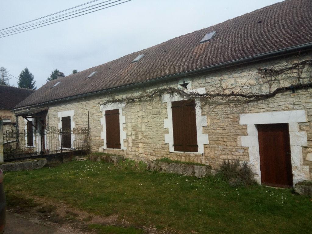 Secteur Saint-Sauveur-En-Puisaye, Belle Longère 135 m²