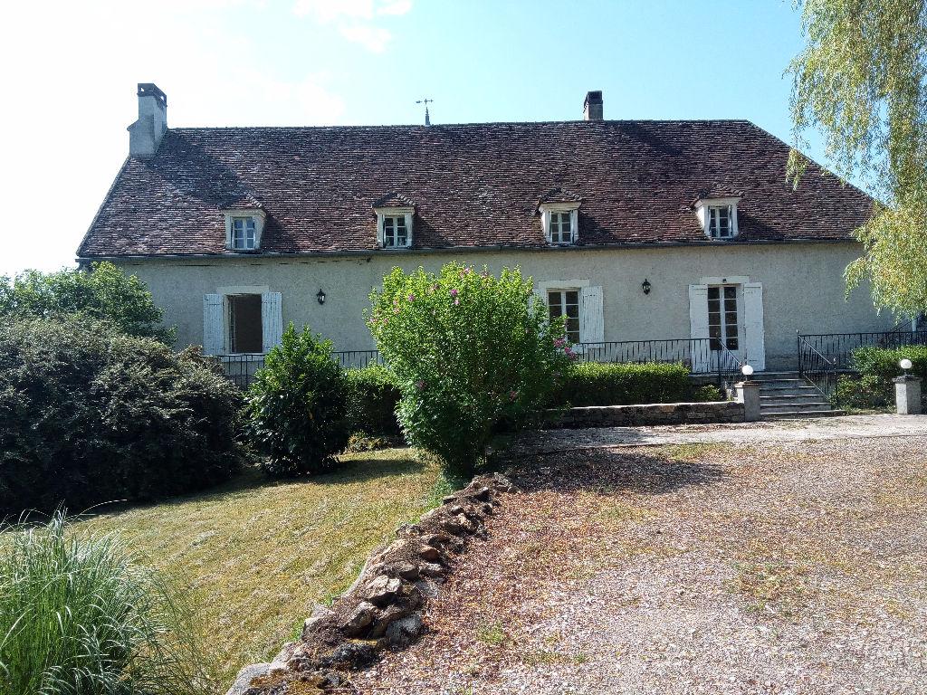 Secteur Clamecy, Belle Maison de Maître 200 m²