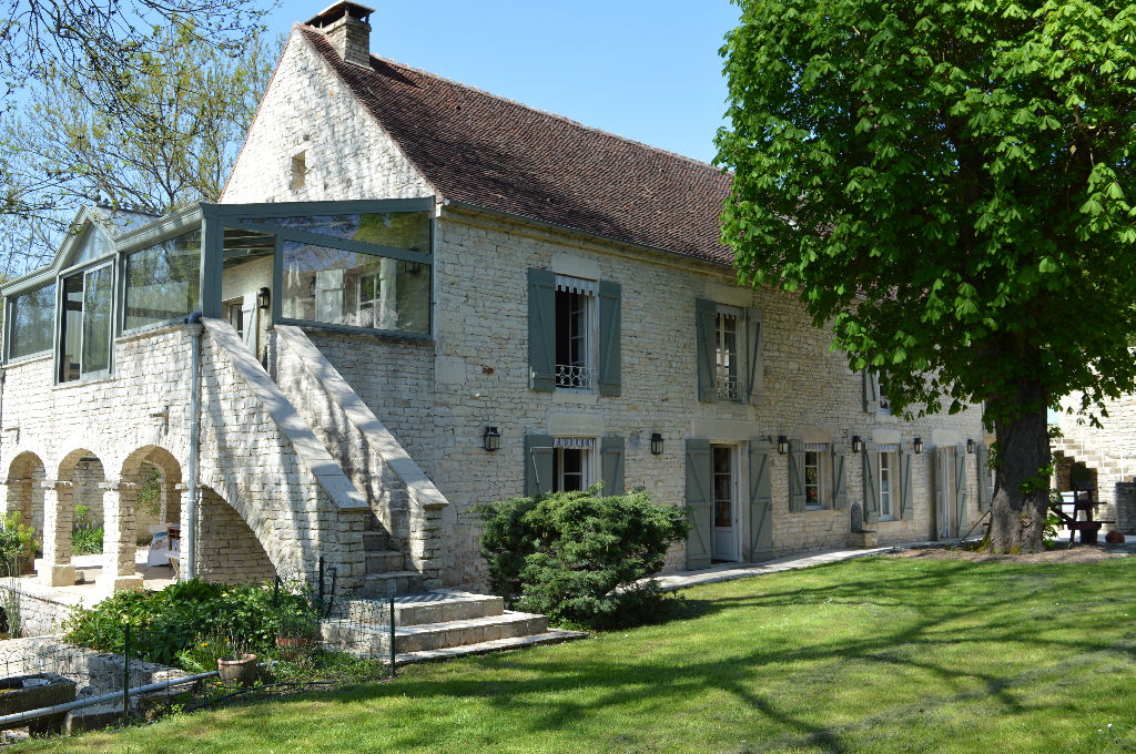 Jolie propri t maison agences immobilieres ramos auxerre for Agence immobiliere 86