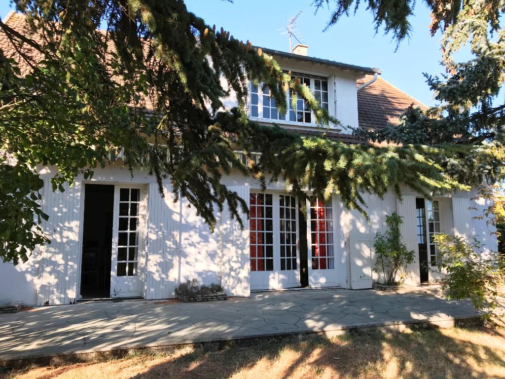 Auxerre quartier calme 180 m² hab