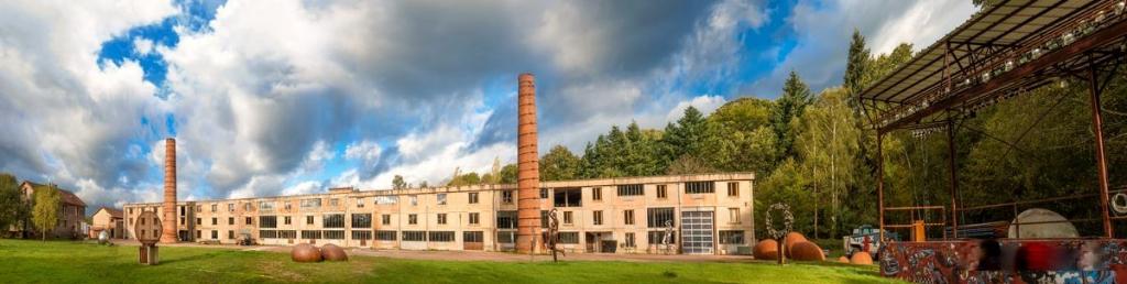 Secteur St SAUVEUR -  Appt  et  atelier de 363 m²