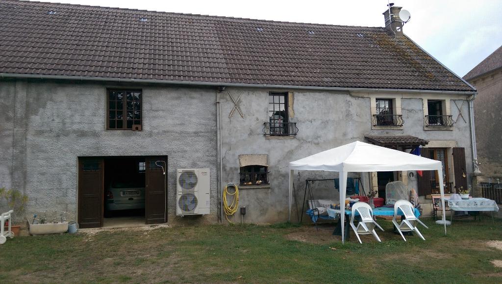 Secteur Nièvre. Maison 6 pièce(s) 100 m2.