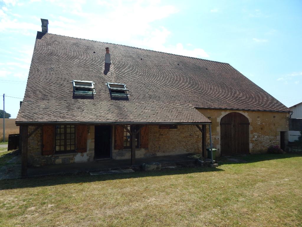 Secteur Puisaye. Maison de village 170 m2.