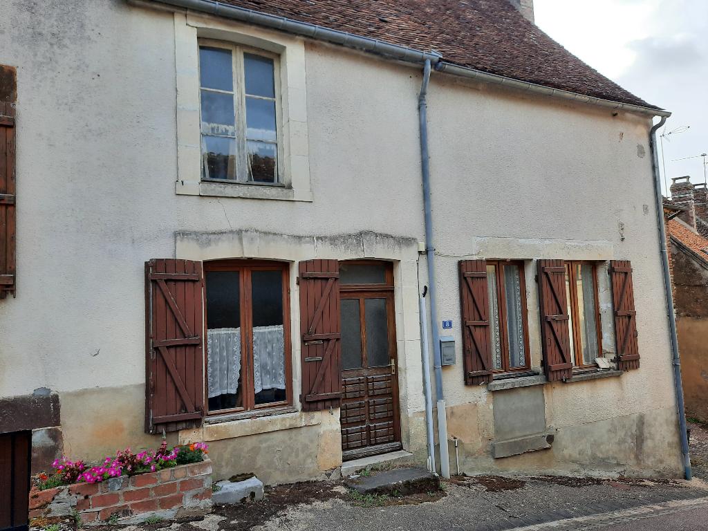 Secteur Saint Sauveur en Puisaye. Maison 3 pièce(s) 77 m².