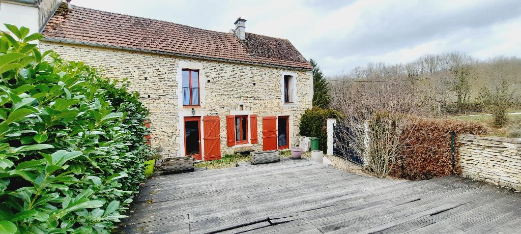 Secteur Puisaye, Maison de campagne  (6 pièces) 155 m2.