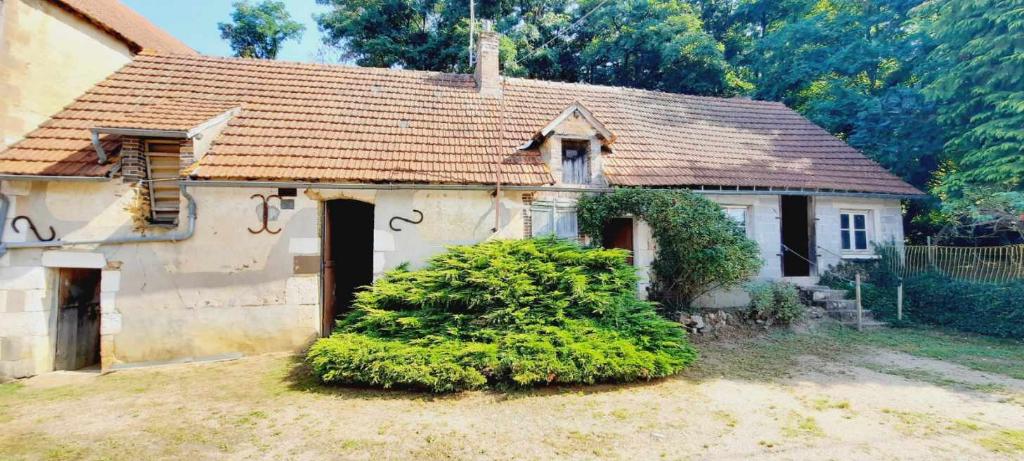 Secteur Puisaye, fermette à restaurer 57 m².