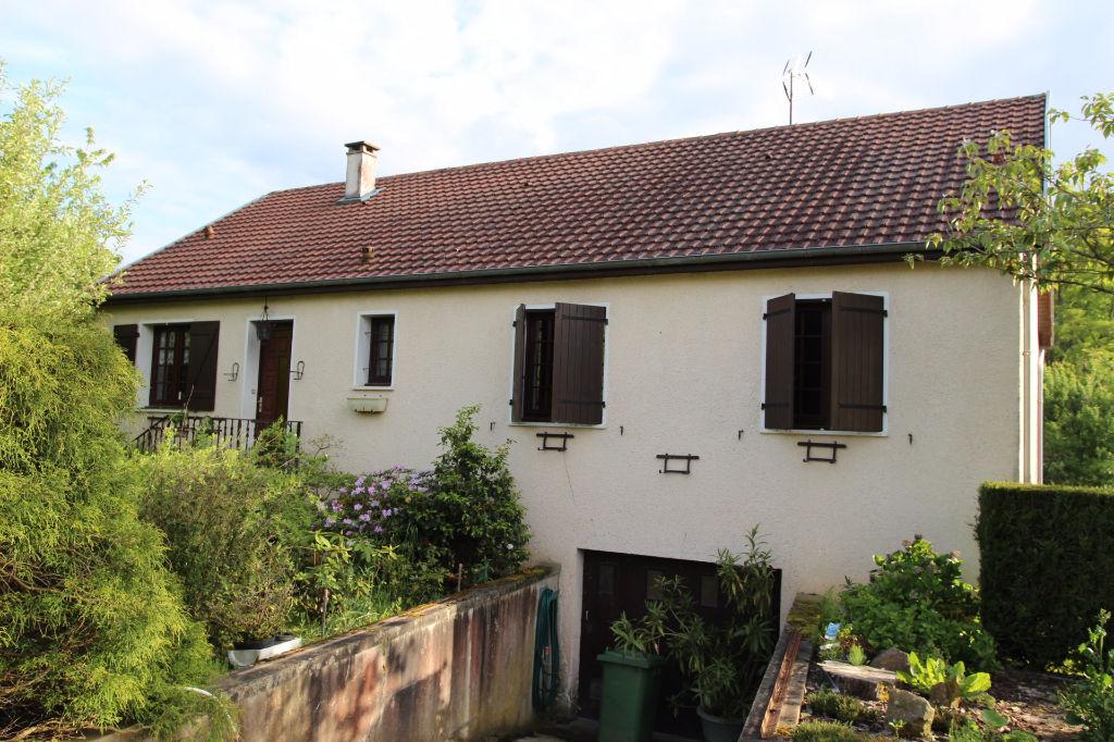Jolie maison contemporaine proche st sauveur en puisaye for Jolie maison moderne