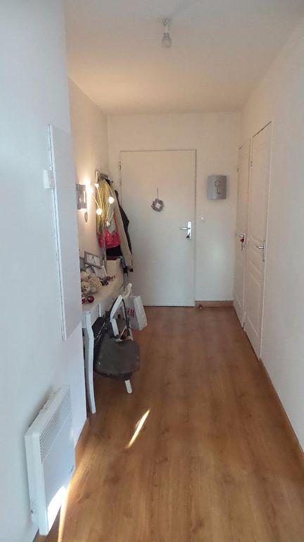 appartement  F3 très lumineux avec terrasse, garage et ascenseur