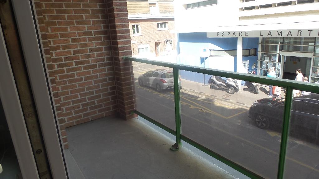 Amiens hyper centre appartement F1  avec balcon en centre ville