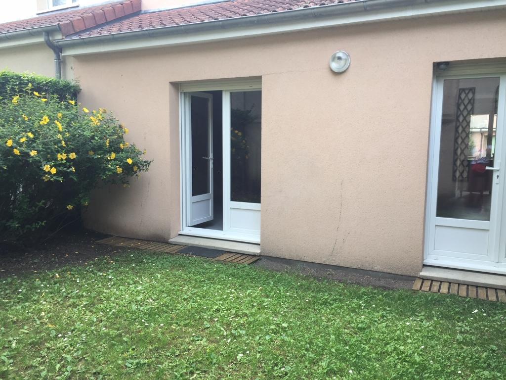 maison récente avec double garage dans résidence sécurisée