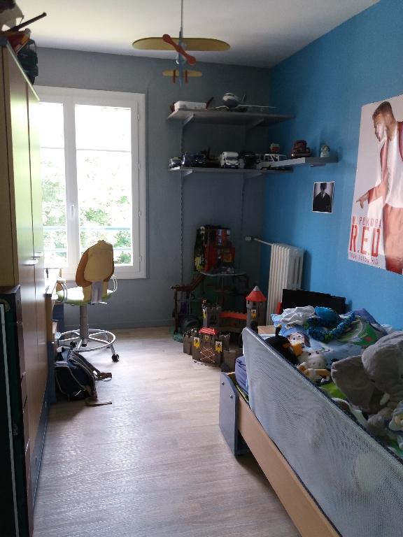 BOULEVARD DE BAPAUME appartement traversant de 3 chambres