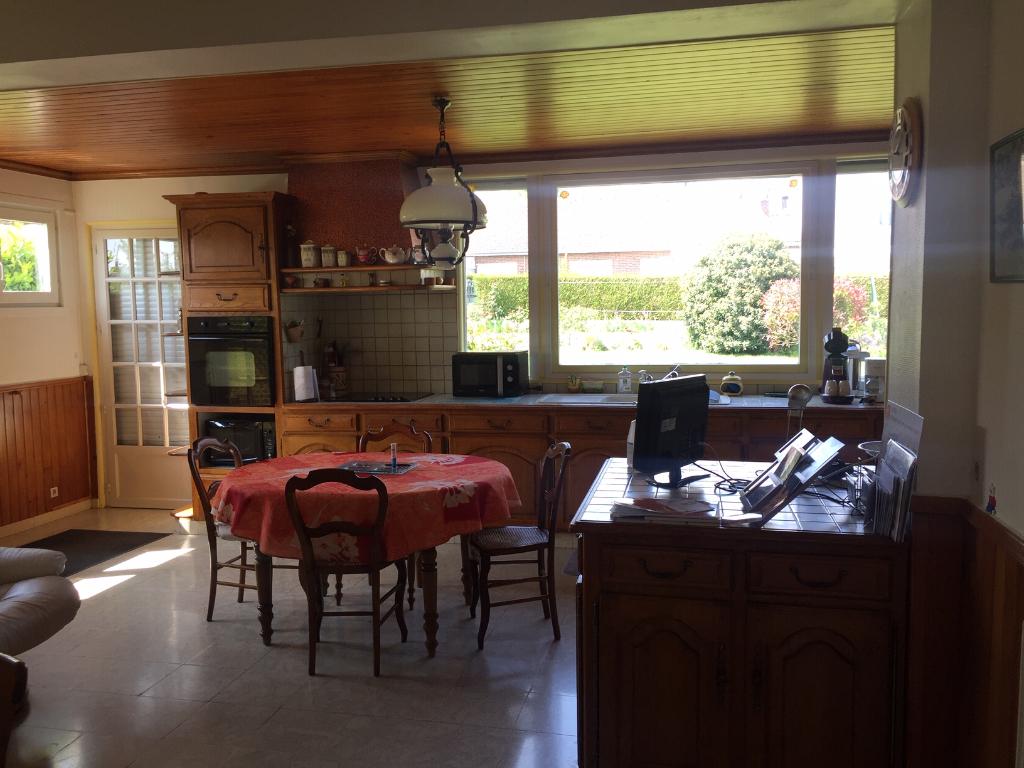 maison de plain pied quartier saint acheul avec garage et jardin