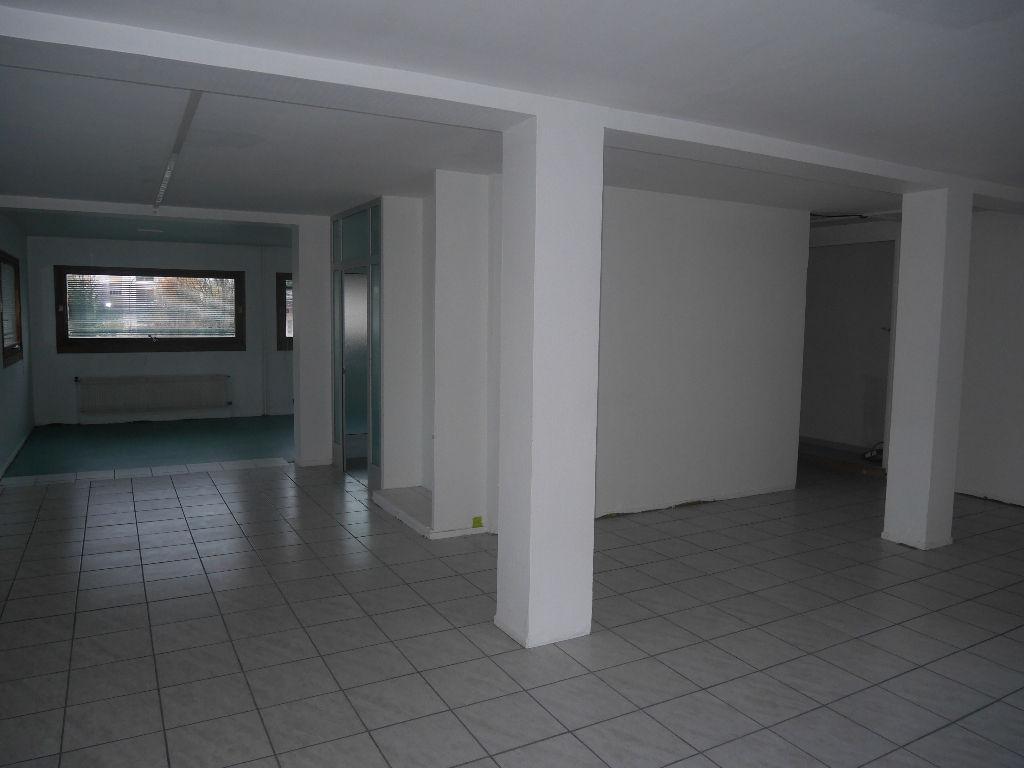 local commercial annemasse 4 pi ce s 130 m2 annemasse 74100. Black Bedroom Furniture Sets. Home Design Ideas