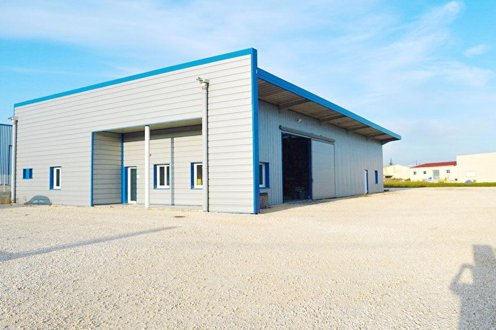 Entrep t local industriel ales 566 m2 al s 30100 for Code postal ales