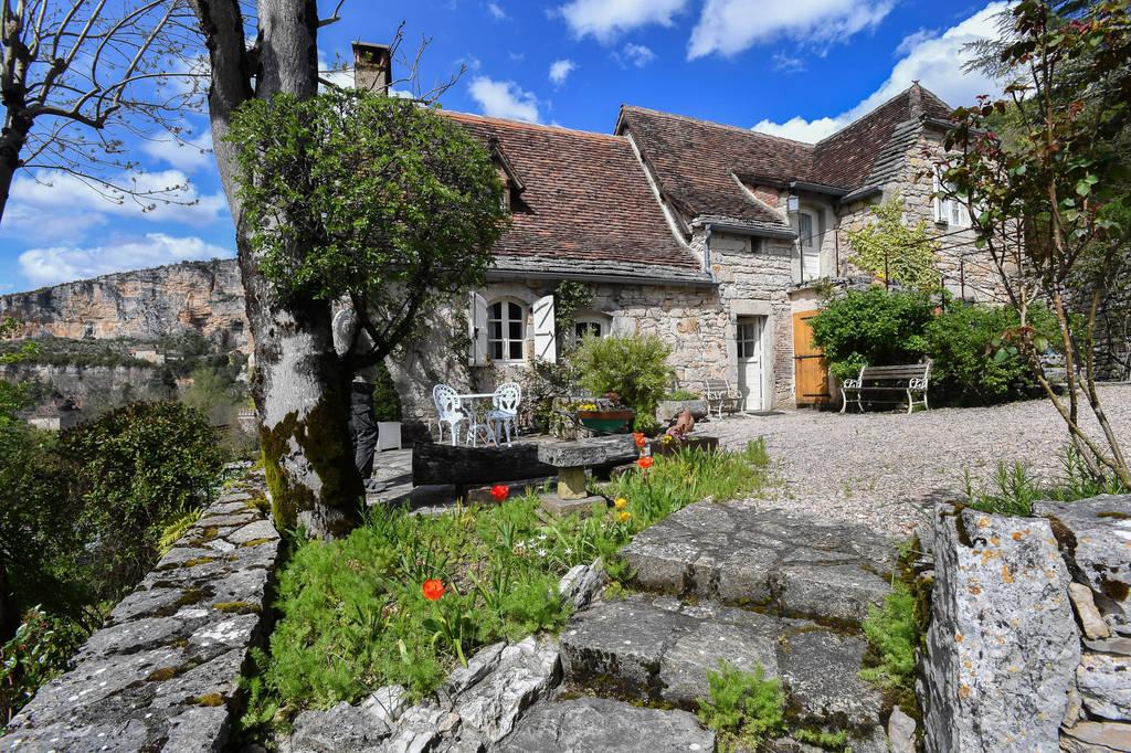 vente maison/villa 9 pièces SAULIAC SUR CELE 46330