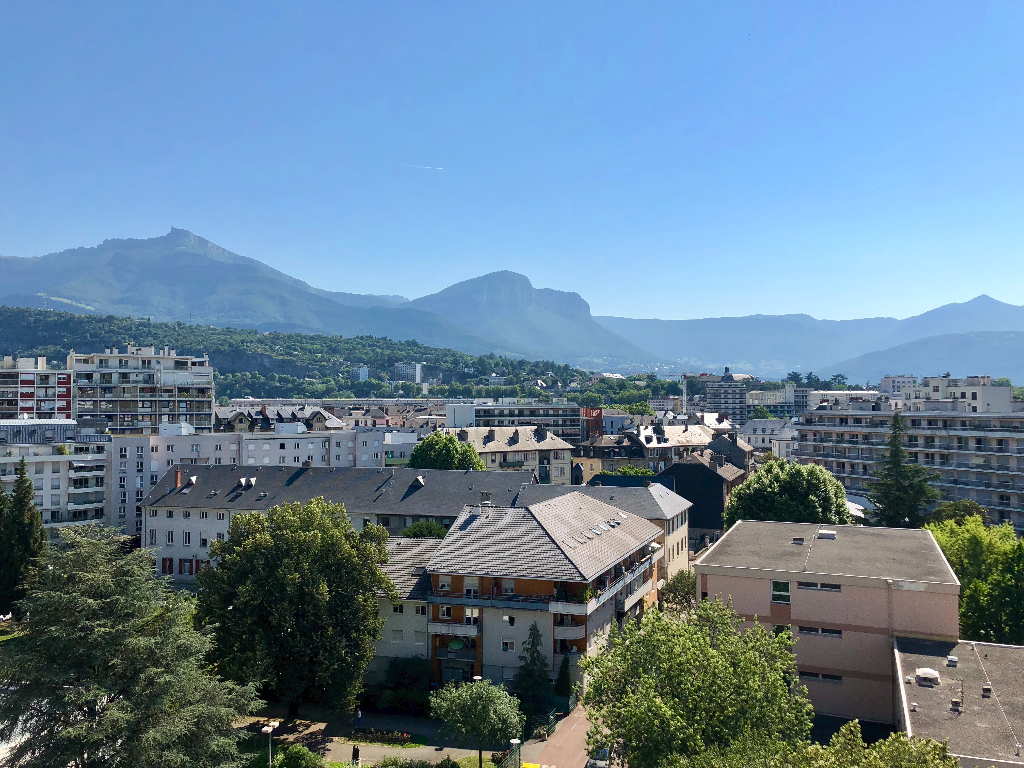Location Appartement 1 pièces CHAMBERY 73000