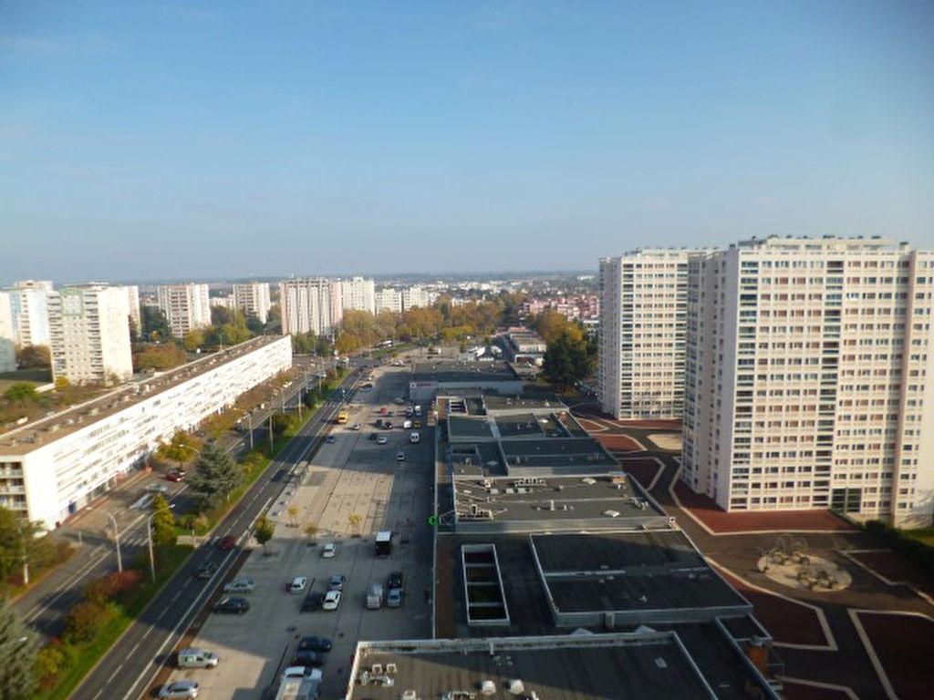 Poitiers appartement de type 3 66m2 prix tres attractif for Code postal poitier