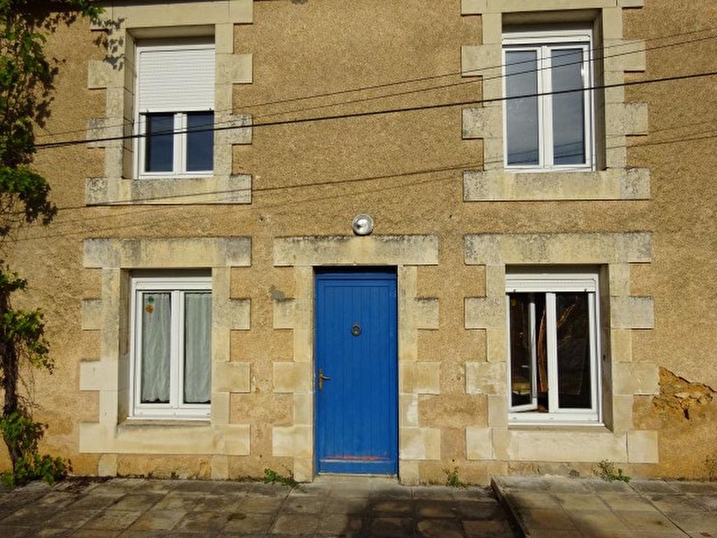 Poitiers sud 10 minutes d 39 auchan 2 maisons dont une avec for Poitiers auchan sud