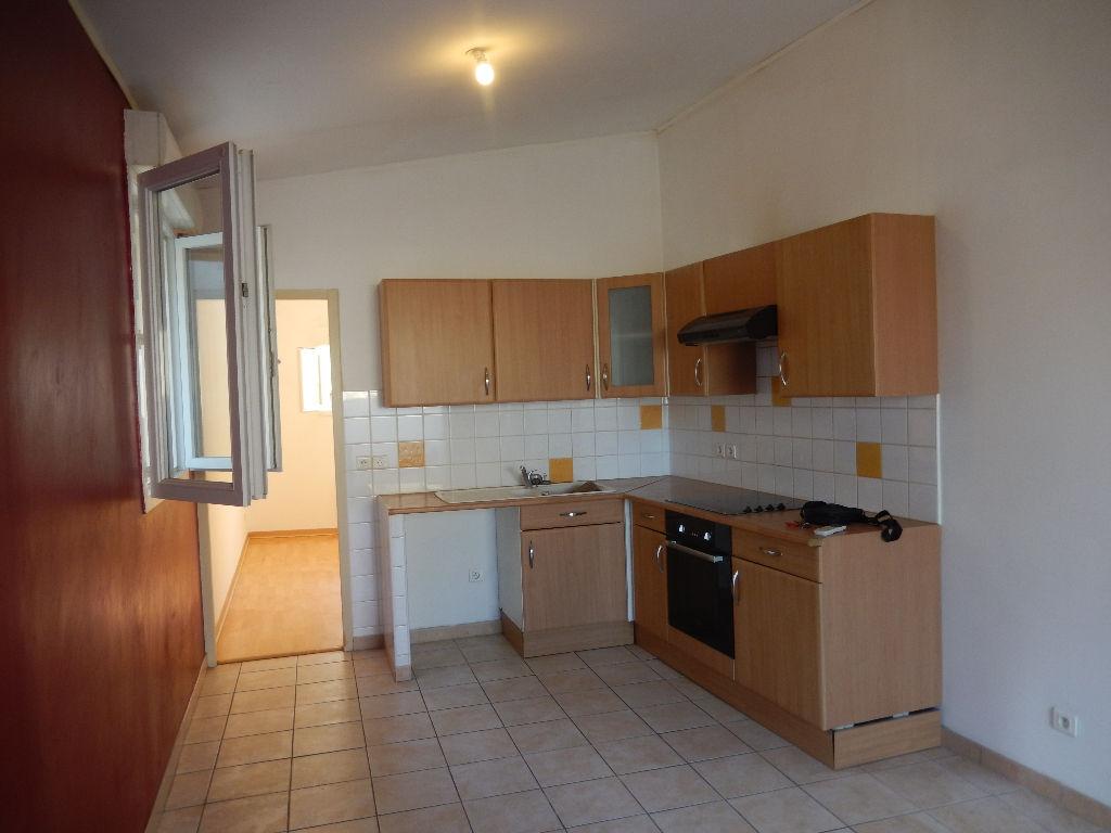 Location Appartement 2 pièces PONT SAINT ESPRIT 30130