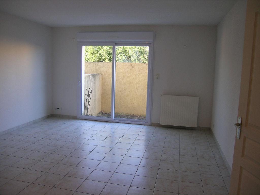 Location Appartement 3 pièces pont st esprit 30130