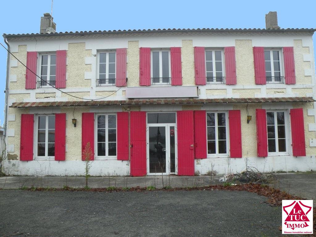Vente Immeuble 6 pièces MONTENDRE 17130