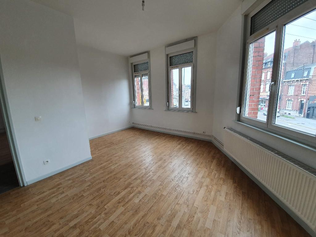 Location appartement Cambrai 462€ CC - Photo 3