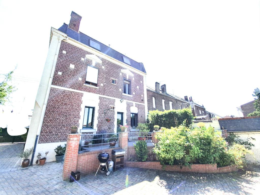Vente maison / villa Cambrai 324000€ - Photo 13
