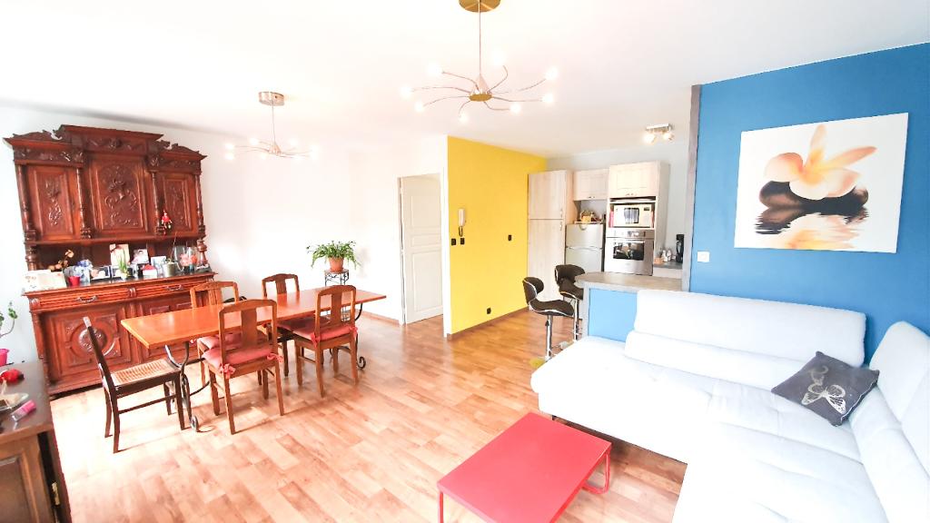 CAUDRY centre Maison-appartement avec grand garage
