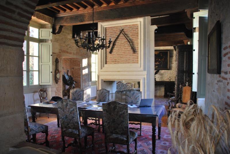 Deluxe sale house / villa Puy l eveque 1664000€ - Picture 2