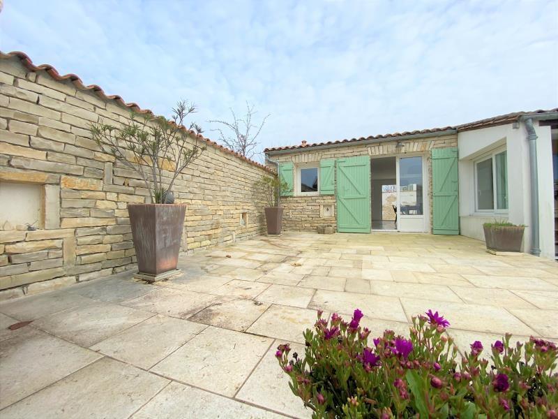 Sale house / villa La flotte 735000€ - Picture 1