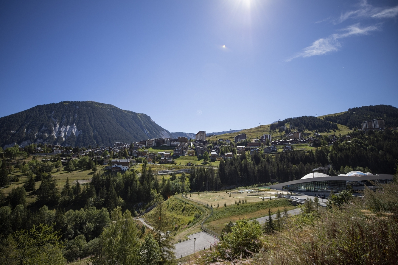 Local commercial Courchevel 1650 80 m2 Accommodation in Courchevel