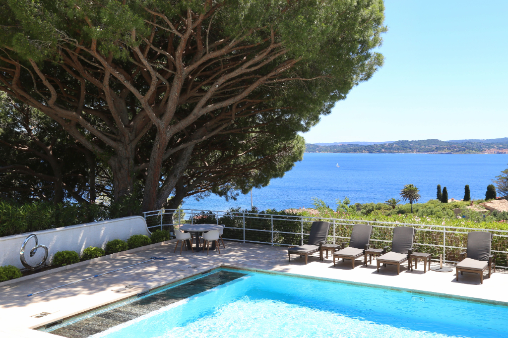 HISTORICAL VILLA WITH EXCEPTIONAL VIEW OVER THE ENTIRE GULF OF SAINT TROPEZ Accommodation in Sainte Maxime