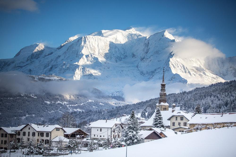 Terrain 1 000m²  avec vue Mont-Blanc Accommodation in Combloux