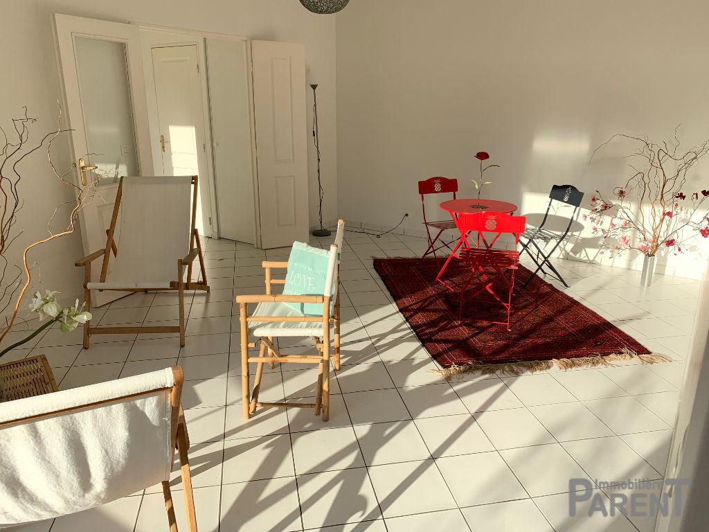 Vente Appartement de 2 pièces 52 m² - ETAMPES 91150 | IMMOBILIÈRE PARENT PARIS 15 - AR photo2