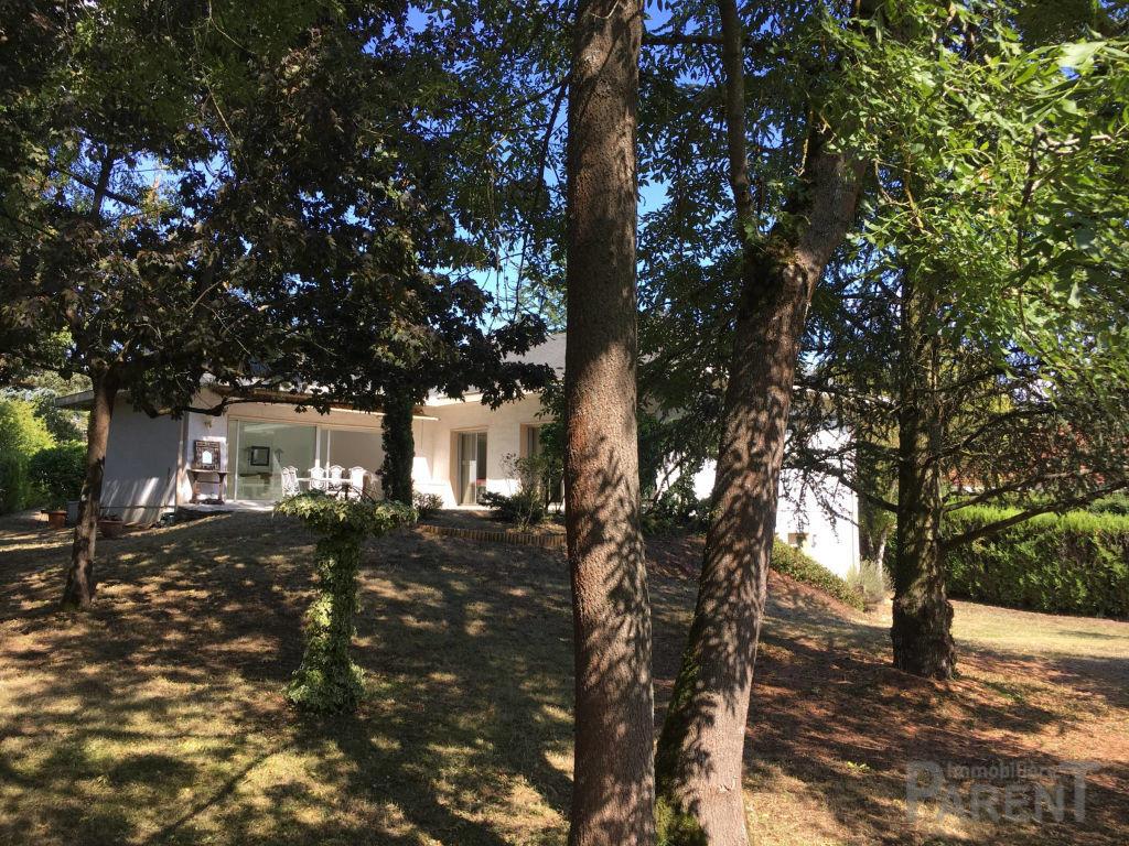 Vente Maison de 6 pièces 165 m² - CHARBONNIERES LES BAINS 69260 | IMMOBILIERE PARENT CHATILLON - AR photo4