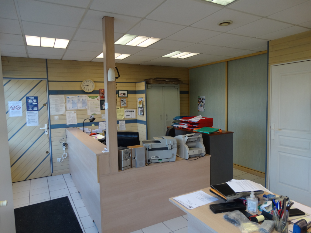 Photo Local commercial - Bosc le Hard - 786 m² image 1/6
