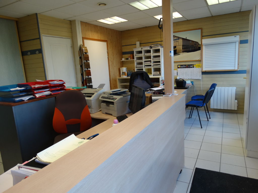 Photo Local commercial - Bosc le Hard - 786 m² image 2/6