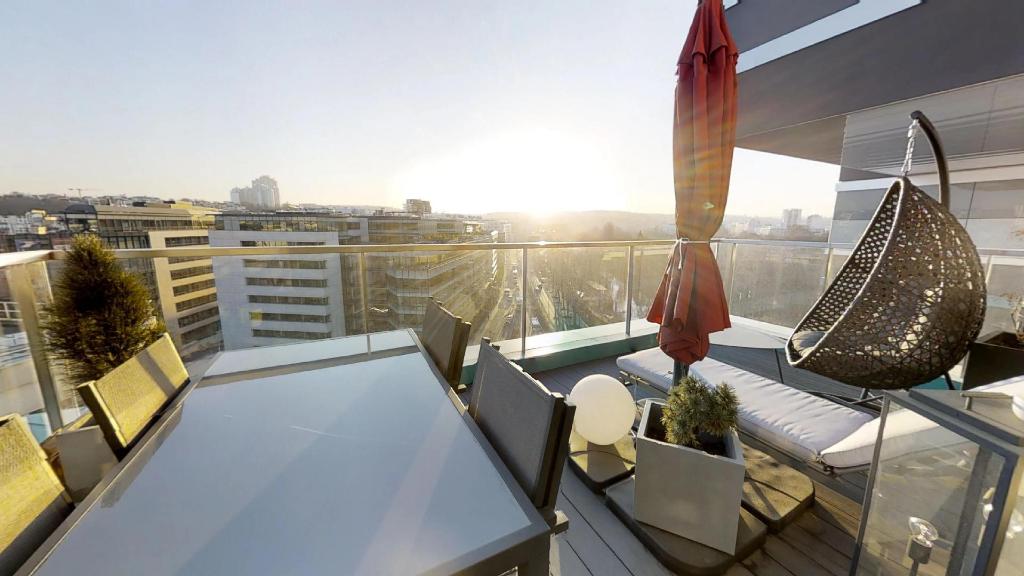 Vente Appartement de 3 pièces 66 m² - ISSY LES MOULINEAUX 92130   AVL IMMOBILIER LAUMIERE - AR photo2