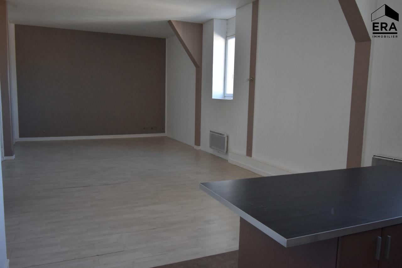 photo de A louer appartement T4 de 100 m² secteur Théatre - Calais -