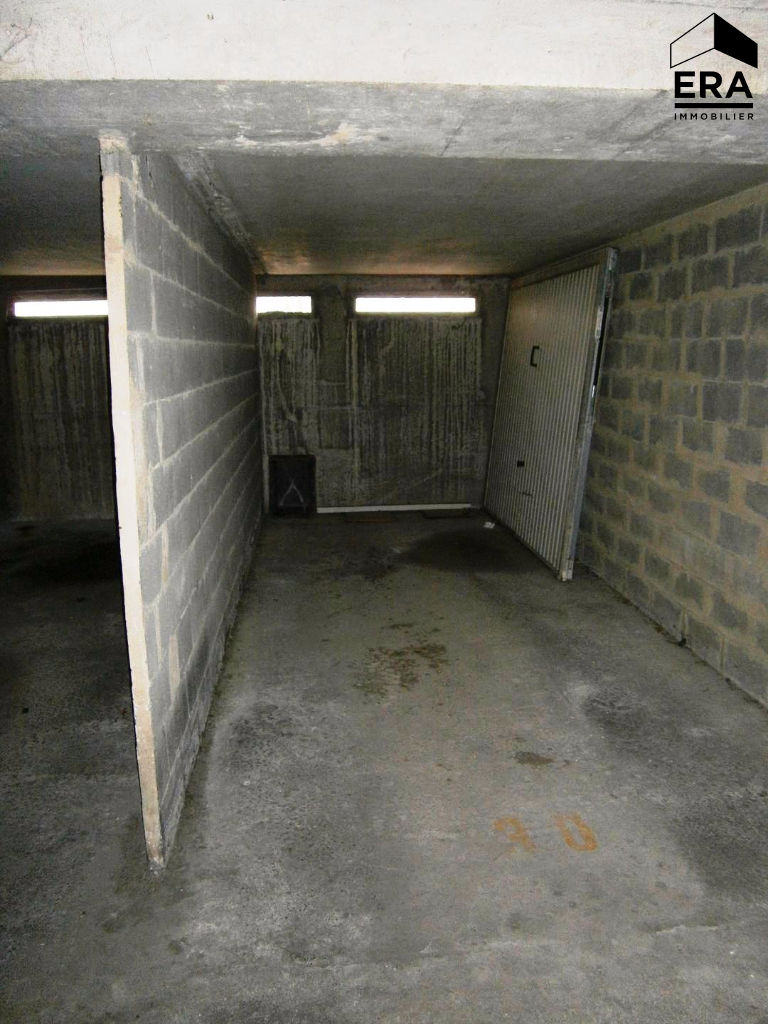 Vente garage parking bagnols sur c ze 30200 sur le for Vente garage parking angers