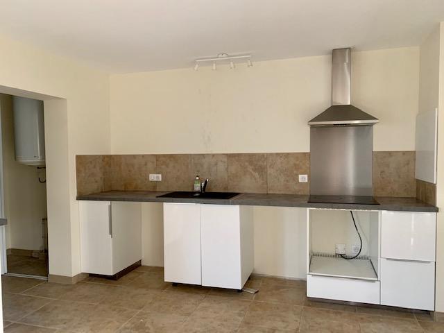 Rental apartment Cabries 900€ CC - Picture 4