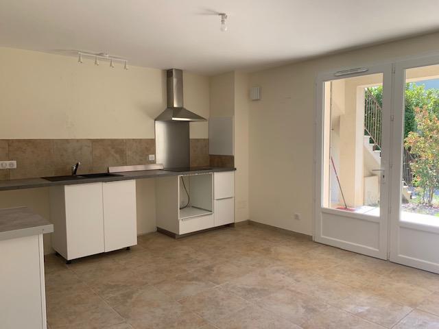Rental apartment Cabries 900€ CC - Picture 5