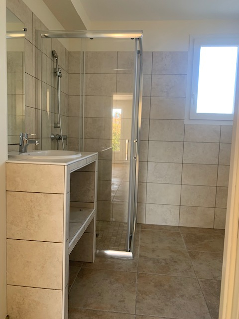 Location appartement Cabries 900€ CC - Photo 7