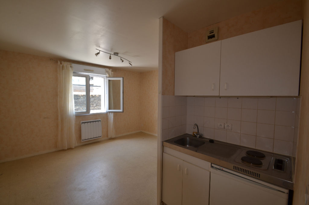 Appartement angers 1 pi ce s 22 m2 angers 49000 for Prix m2 angers