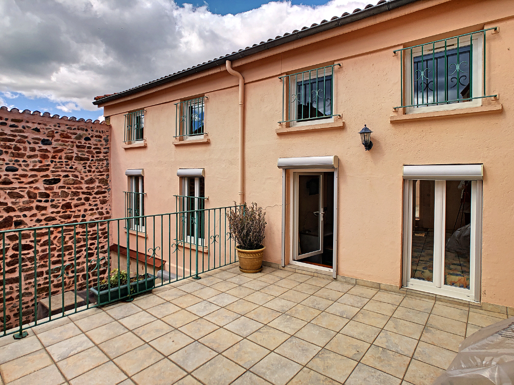 HOTEL 2* A REPRENDRE - AU CALME - CENTRE VILLE