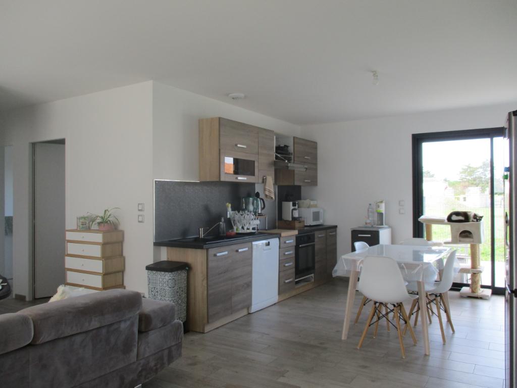 Sale house / villa Chaillevette 187200€ - Picture 2