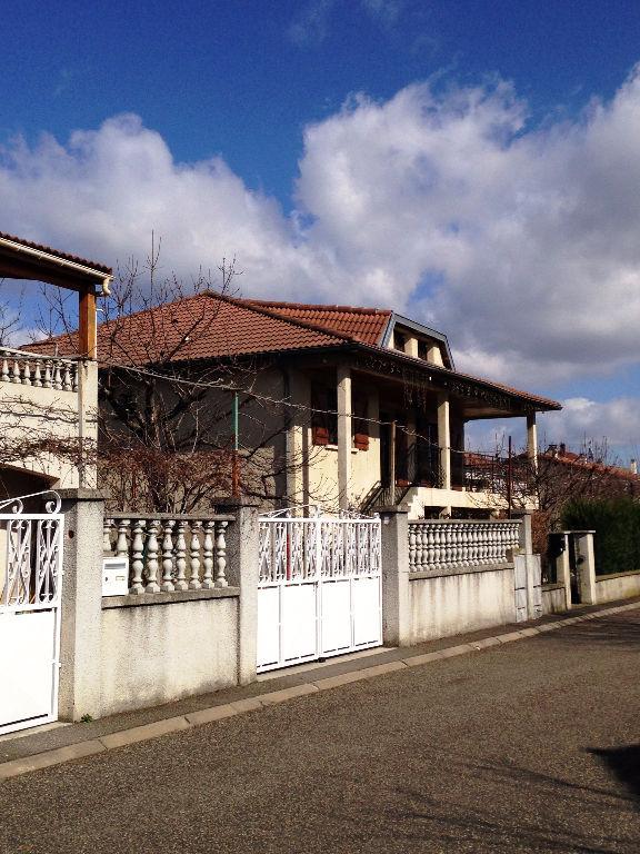 Gerzat maison de 170 m2 garage et grenier am nageable for Agrandissement maison 170 m2