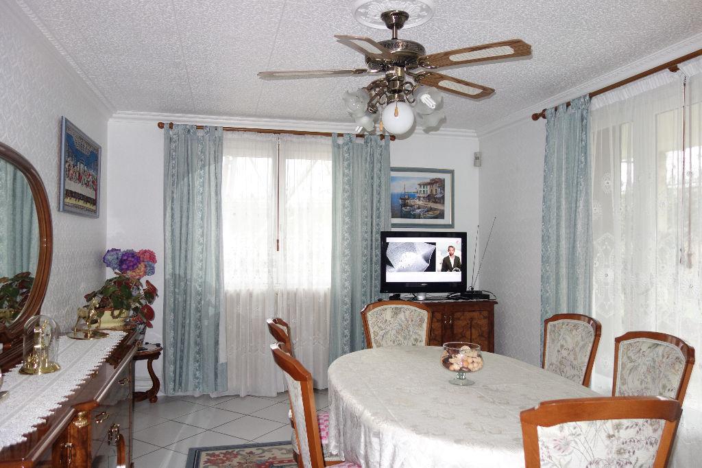 maison epinay sur seine 5 pi ce s 100 m2 pinay sur seine 93800. Black Bedroom Furniture Sets. Home Design Ideas