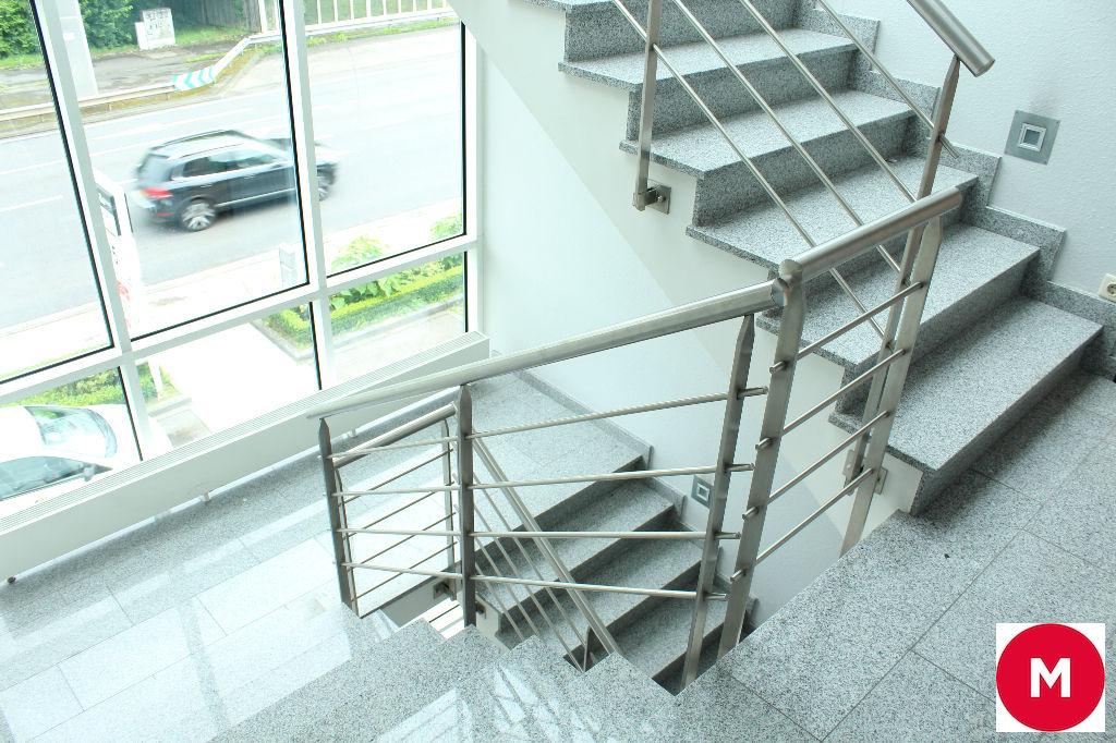 bureaux louer route d 39 arlon tr s bonne visibilit bruxelles evere 1140. Black Bedroom Furniture Sets. Home Design Ideas