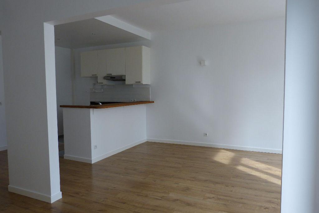 Appartement  comme une maison Colombes les vallées 5/6 pièce(s) 105 m2 au sol